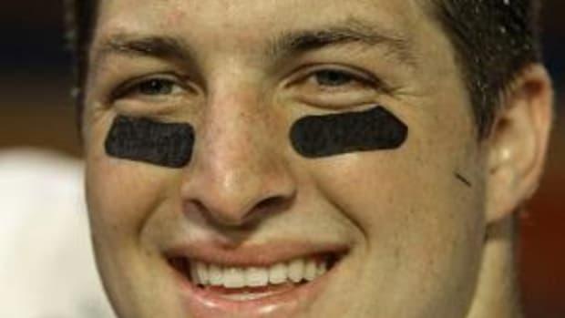 tim-tebow-eyeblack-.jpg