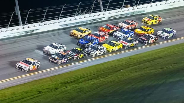 Daytona-FinalTurn_800.jpg