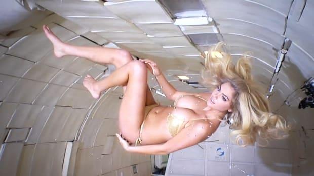 Kate Upton's Zero Gravity SI Photo Shoot Video