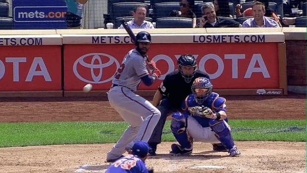 Braves' Jason Heyward Has Jaw Broken By Pitch (GIF)
