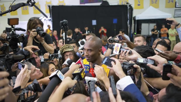 The Los Angeles Lakers Are Rapidly Collapsing Before Our Eyes