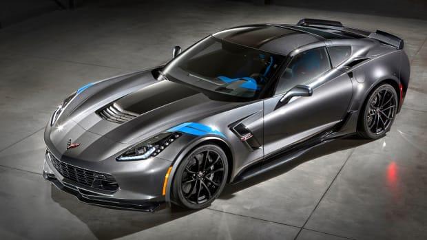 2017-Chevrolet-Corvette-GrandSport-001.jpg