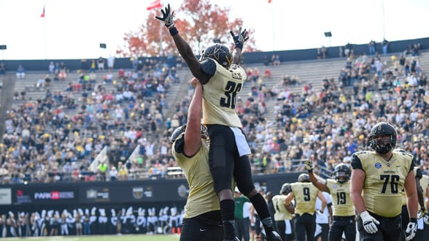 Vanderbilt wide receiver Trey Ellis celebrates
