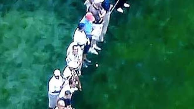 Golfer_hit_spectators_cropped.jpg