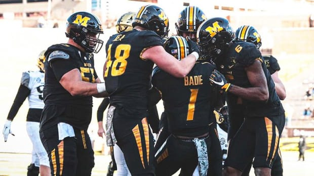 Arkansas vs. Missouri Football Prediction and Preview