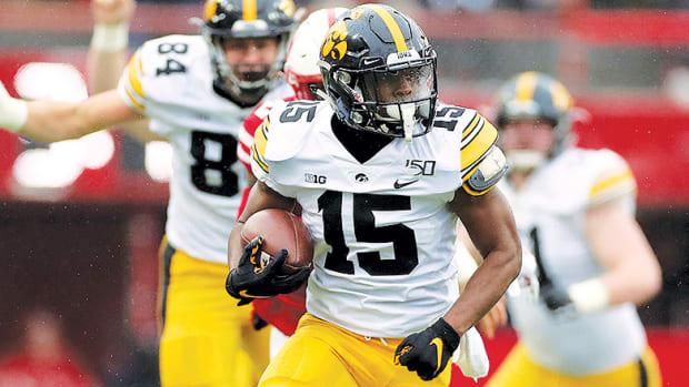 Iowa vs. Illinois Football Prediction and Preview