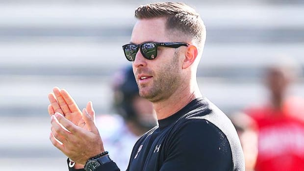 USC Football: Is Kliff Kingsbury the Right Choice as the Trojans' Offensive Coordinator?