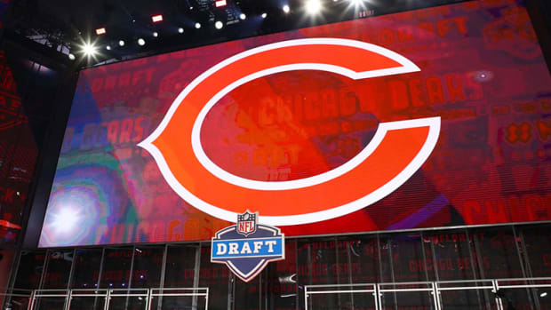 Chicago Bears: 4 Reasons Why Team Needs to Move Up in the Draft