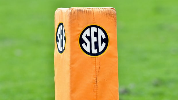 SEC pylon