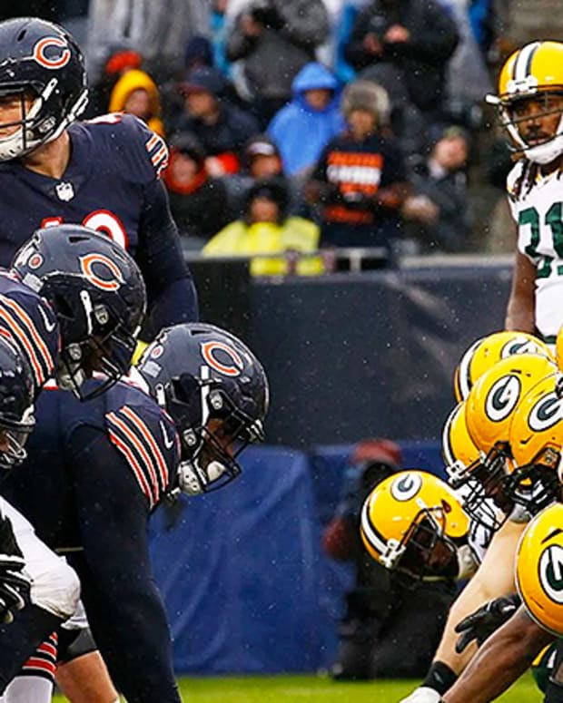 Chicago Bears vs. Green Bay Packers: 5 Most Memorable Moments in the Rivalry