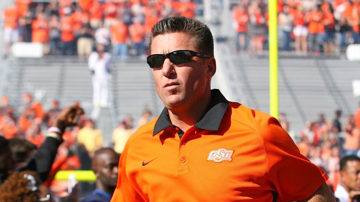 Coach Mike Gundy
