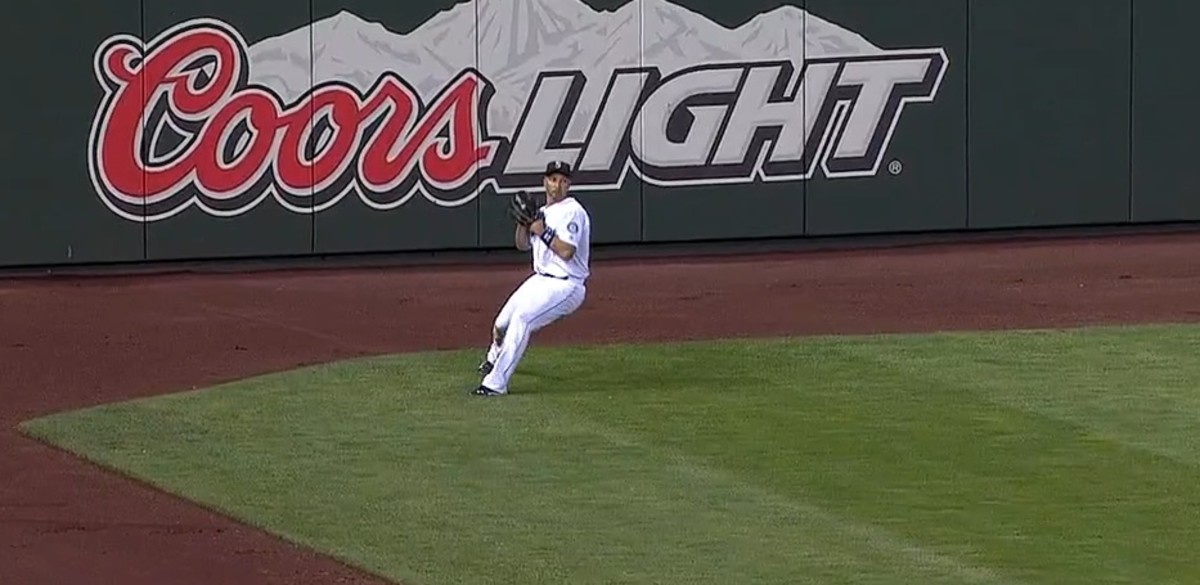 Mariners' Raul Ibanez Makes Worst Outfield Throw in Baseball History