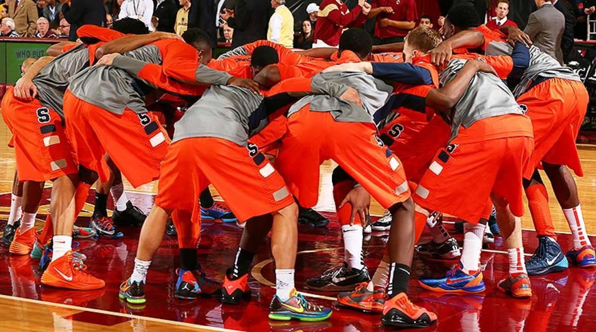 Syracuse_Orange_huddle_2014.jpg