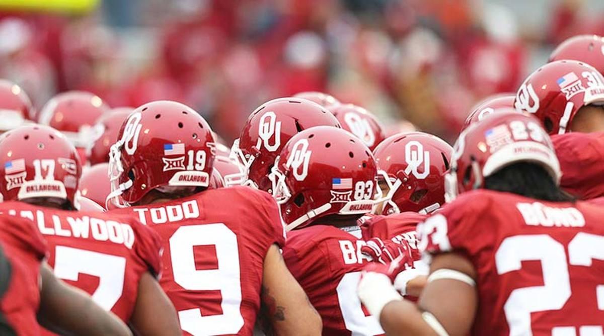 Oklahoma_Sooners_helmets_2014.jpg