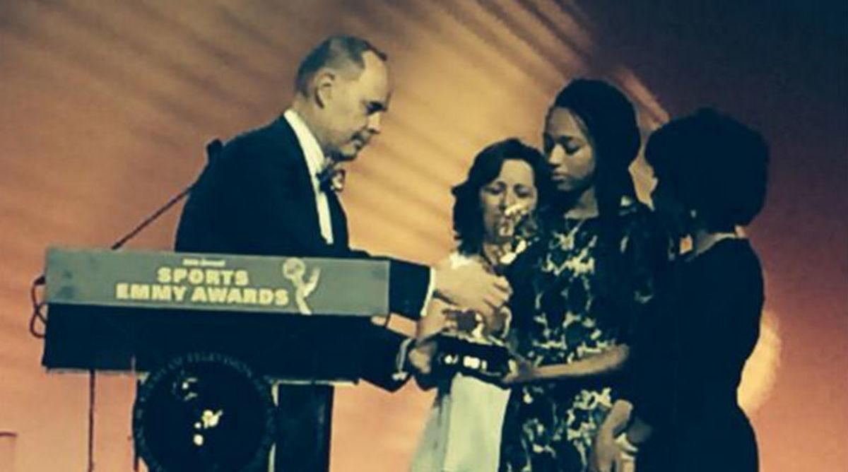 Ernie Johnson Give His Sports Emmy To Stuart Scott's Daughter