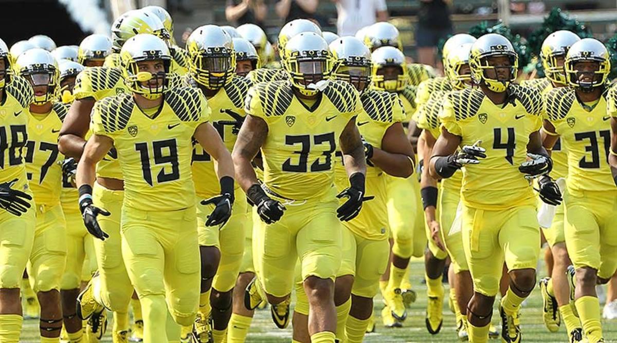 2015_Oregon_uniforms_team.jpg