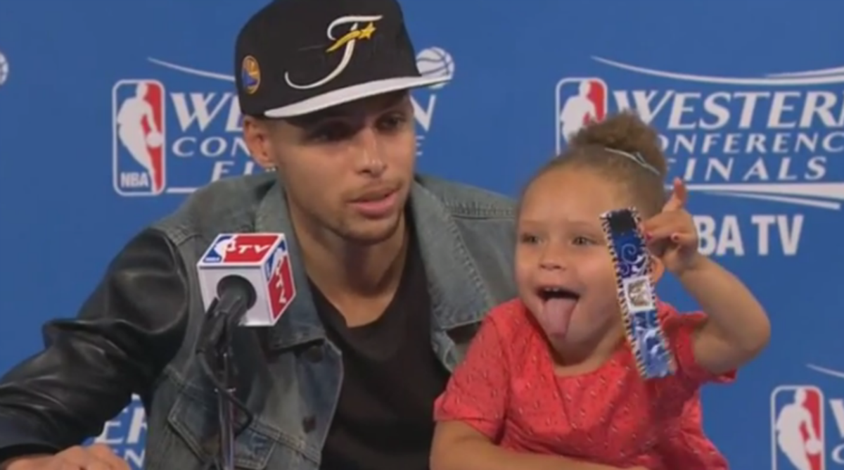 Riley Curry Hijacks Steph's Press Conference Again