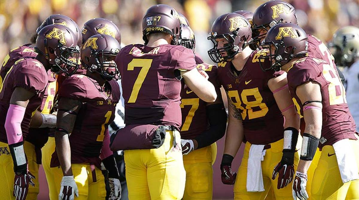 Minnesota_GoldenGophers_offense_2014.jpg