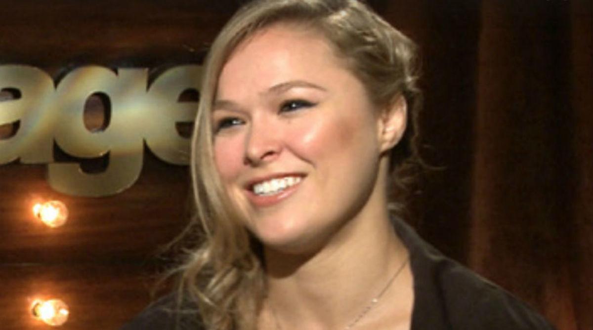 Ronda Rousey Takes Jab at Floyd Mayweather