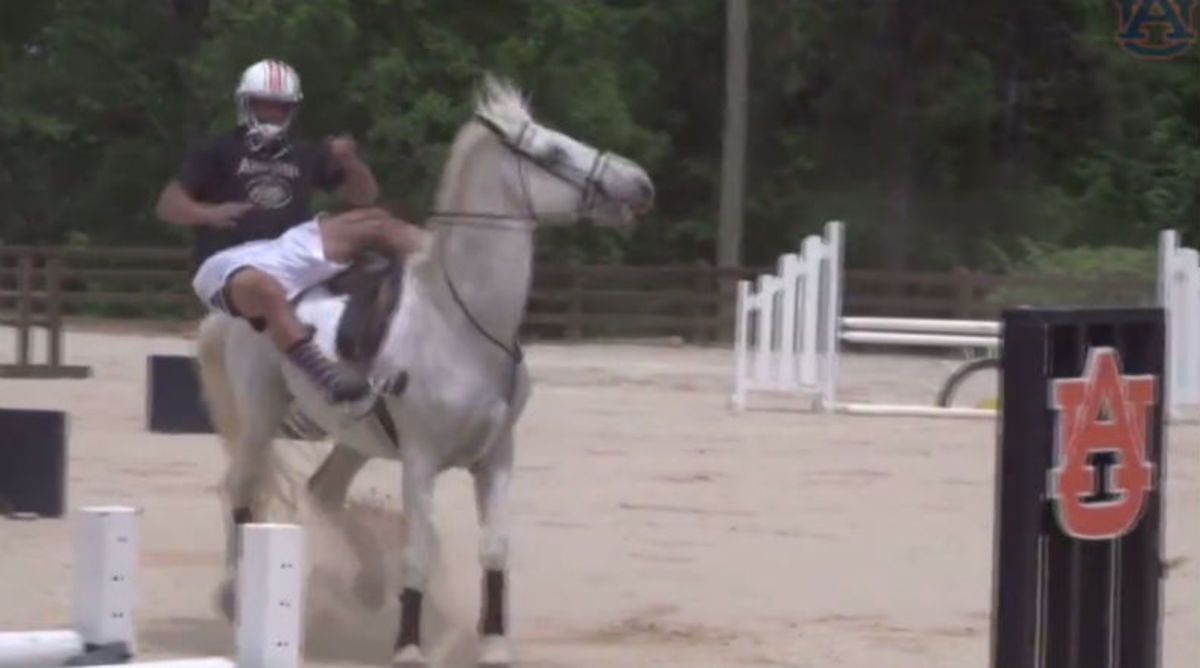 Auburn Football Players Try to Ride Horses and Fail