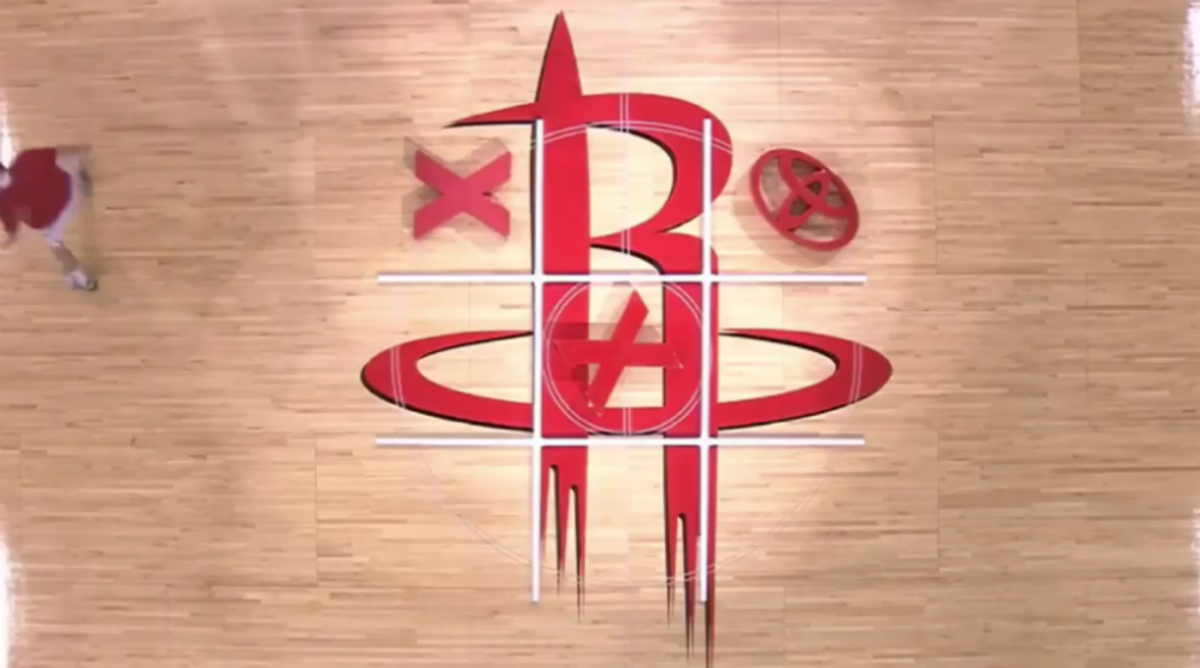 Rockets Fans Have No Idea How to Play Tic-Tac-Toe
