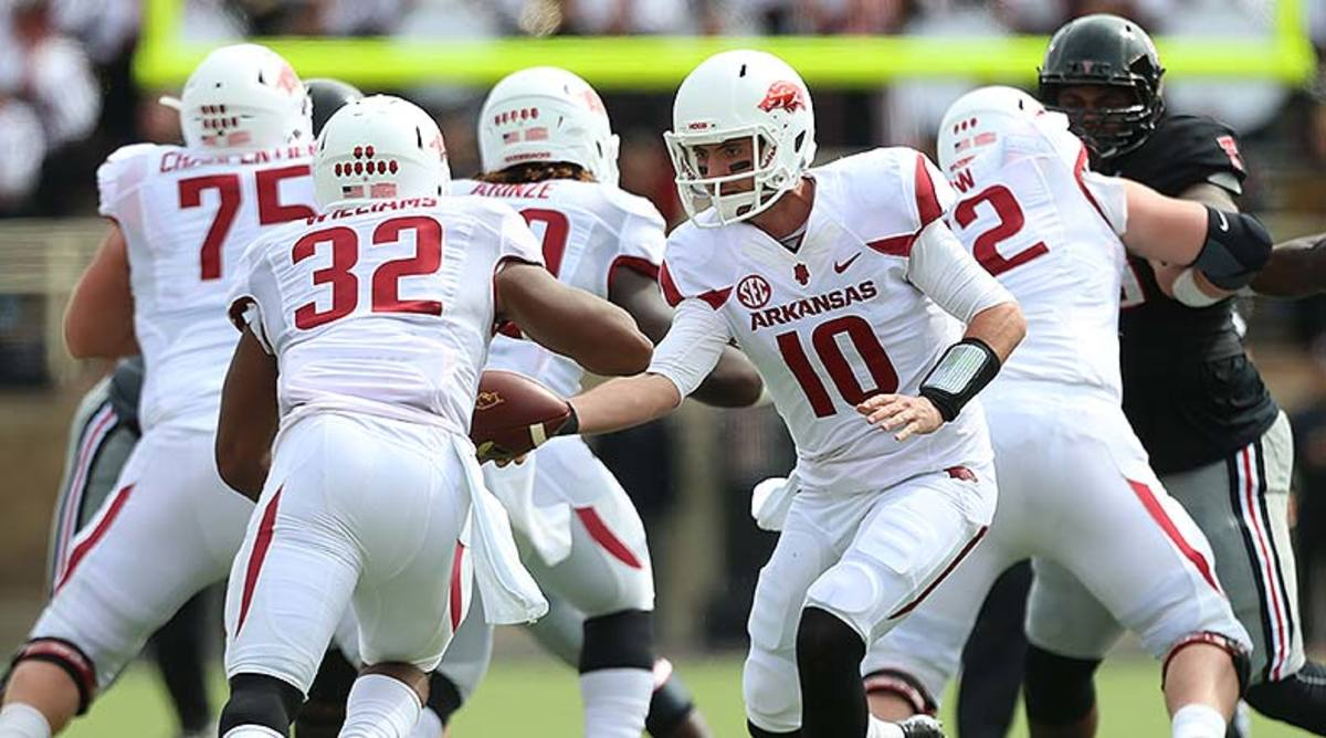 Arkansas_Razorbacks_offense_2014.jpg