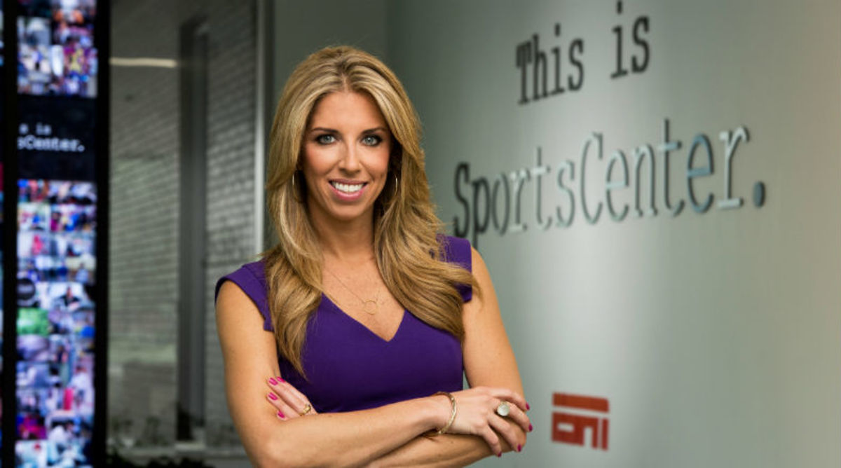 Sara-Walsh-ESPN-SportsCenter-03.jpg