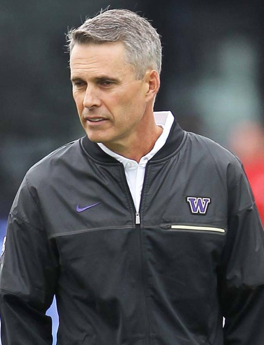 Washington Huskies head coach Chris Petersen