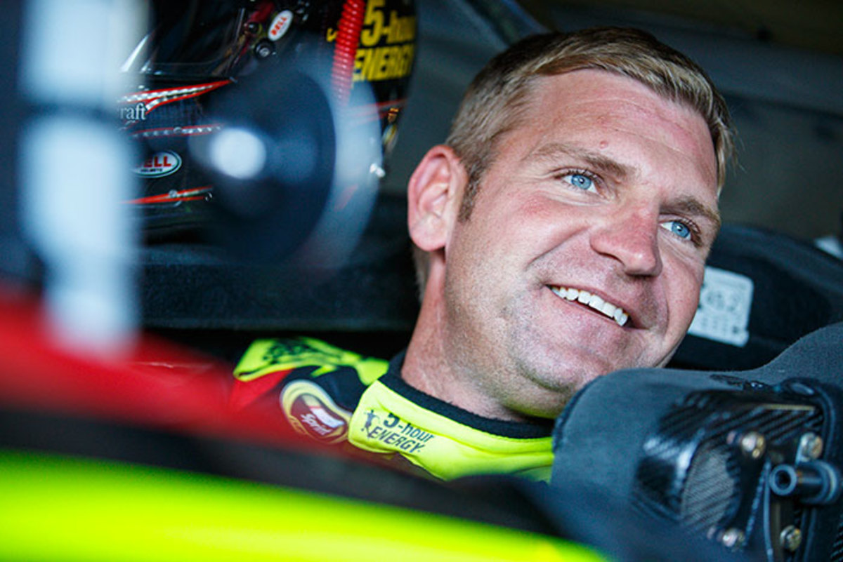 Clint Bowyer: 2017 NASCAR Season Driver Preview