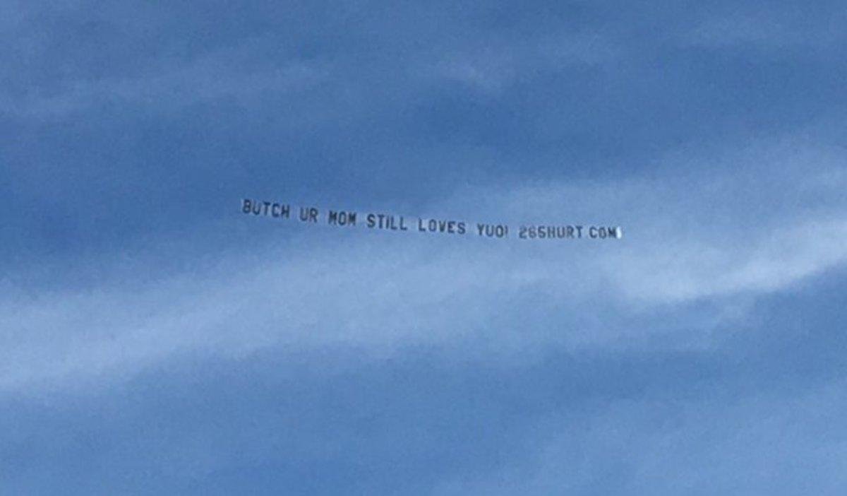 Butch Jones, Tennessee Plane Banner