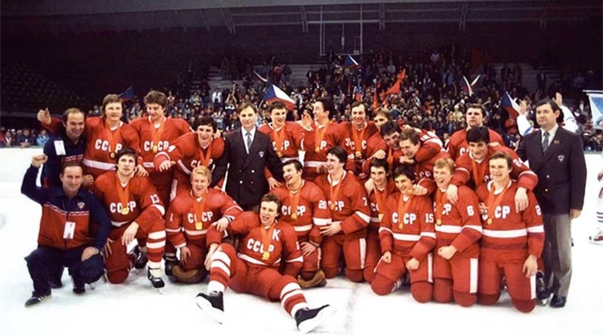 1984_SovietUnion_hockey_team_hockeygods.jpg