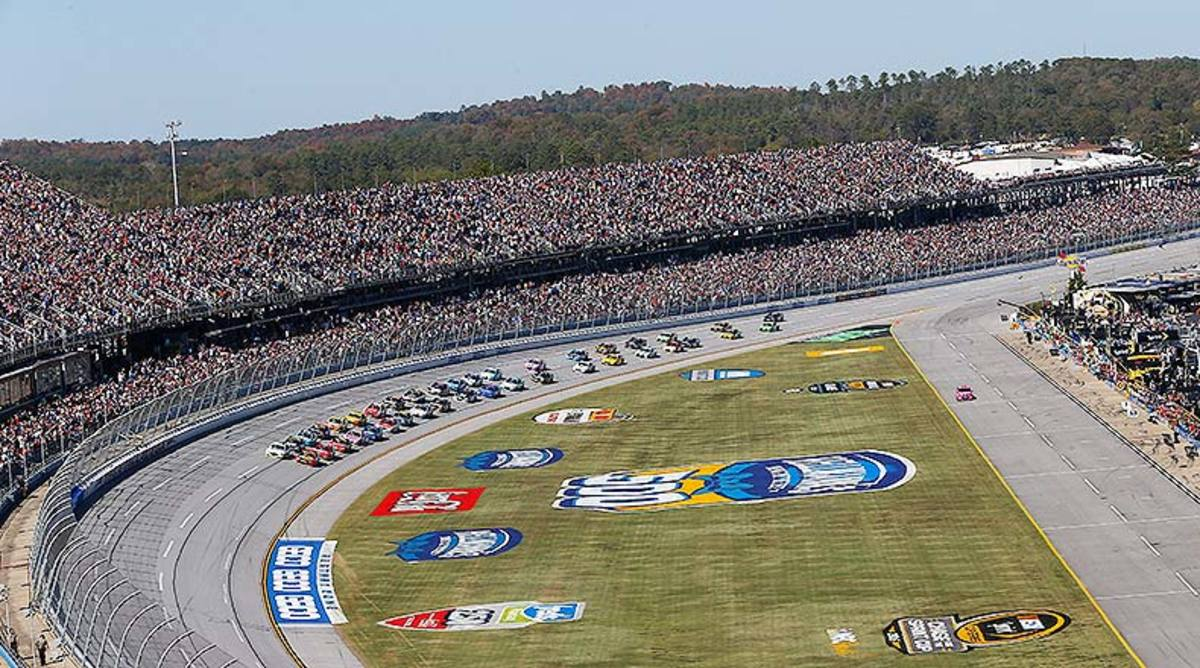 Fantasy NASCAR Picks: The Best 2018 1000Bulbs.com 500 Lineup