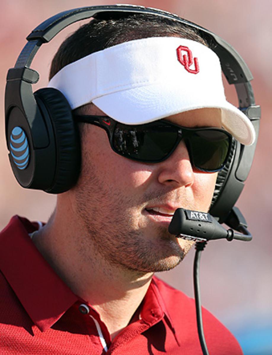 Oklahoma Sooners head coach Lincoln Riley