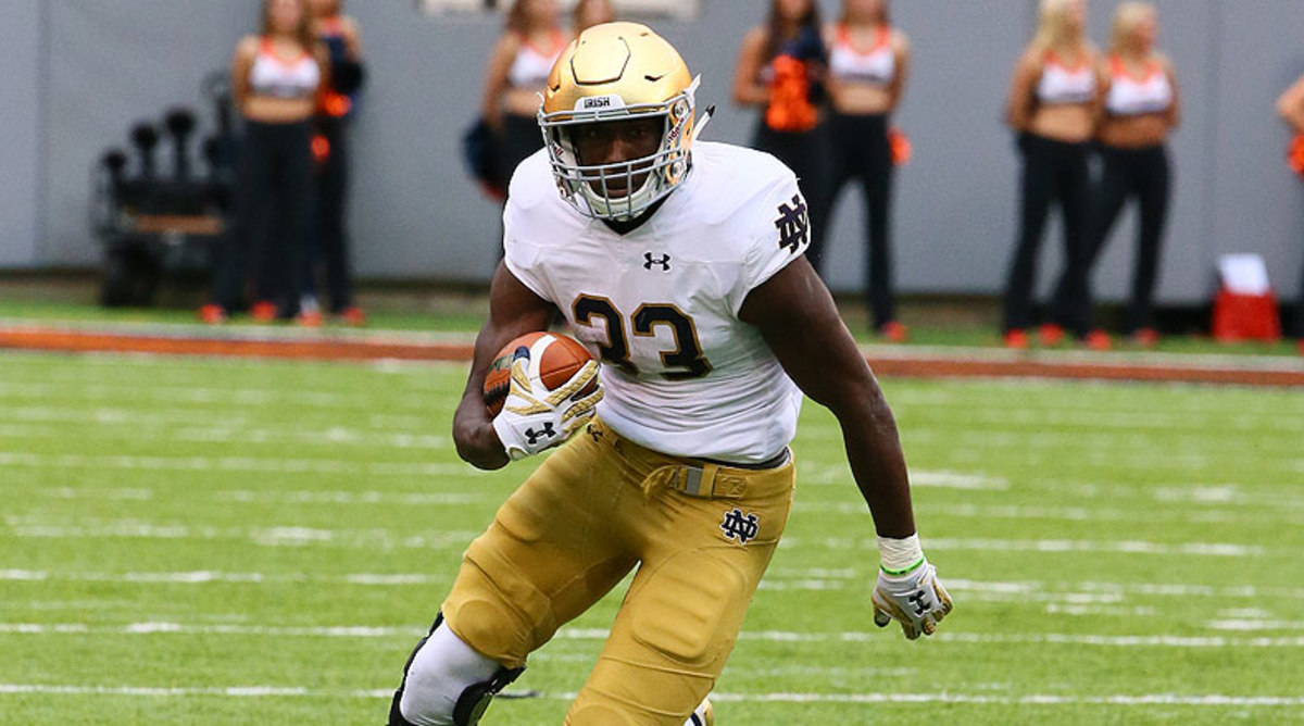 College Football Top 25: Josh Adams, Notre Dame Fighting Irish Football