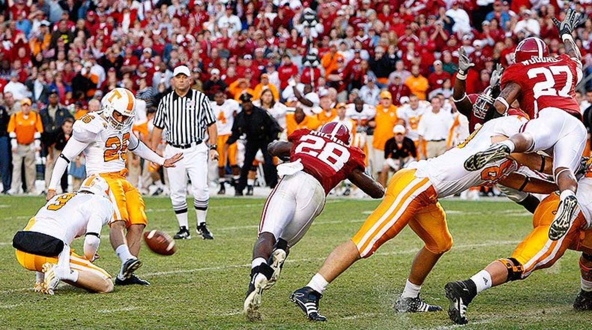 Alabama_Tennessee_blockedfg_2009_getty.jpg