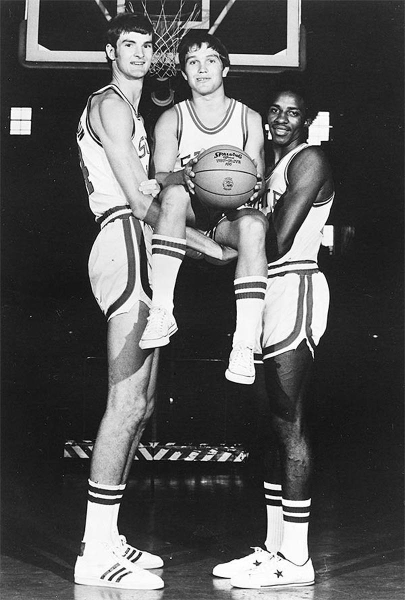 Shortest NBA Players: Monte Towe