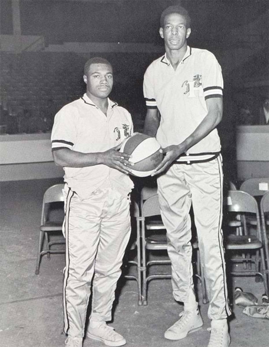 Shortest NBA Players: Willie Somerset