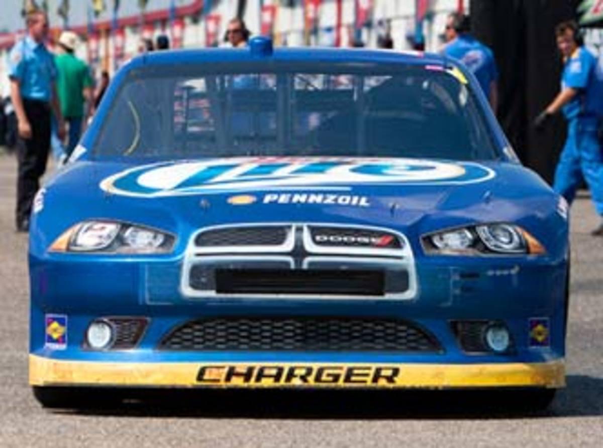 Dodge-Nose_332.jpg