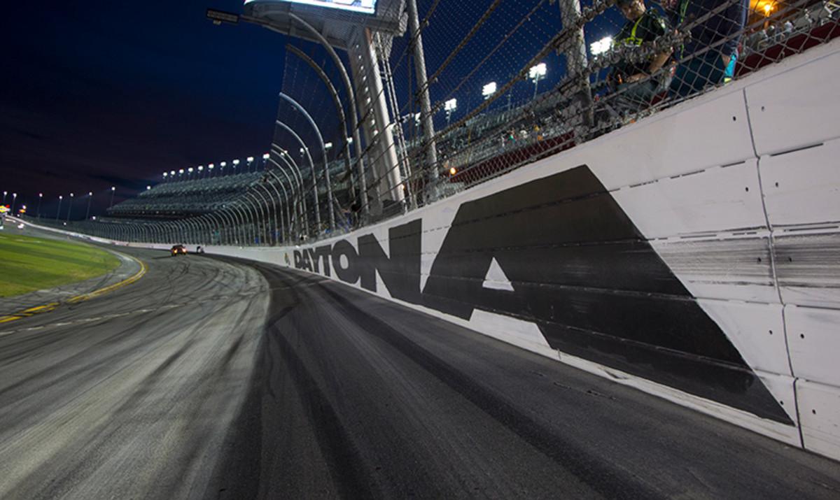 A Wild Weekend of NASCAR Racing On TV: The 2019 Season Begins