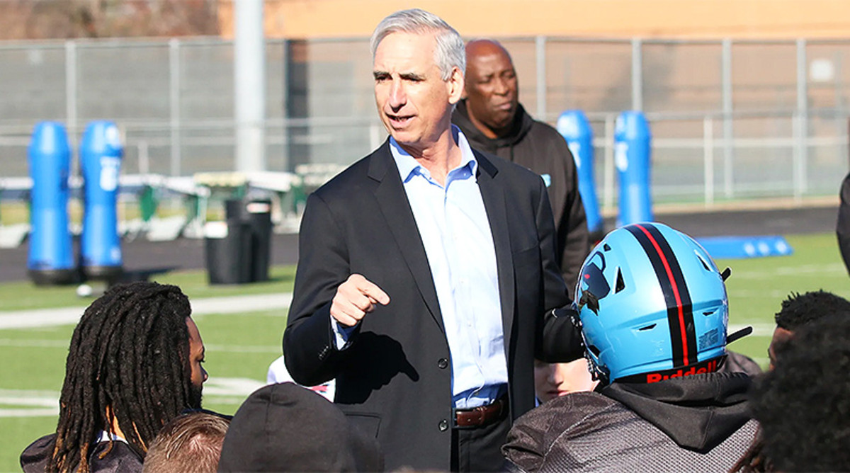 XFL Football: Q&A with XFL Commissioner Oliver Luck