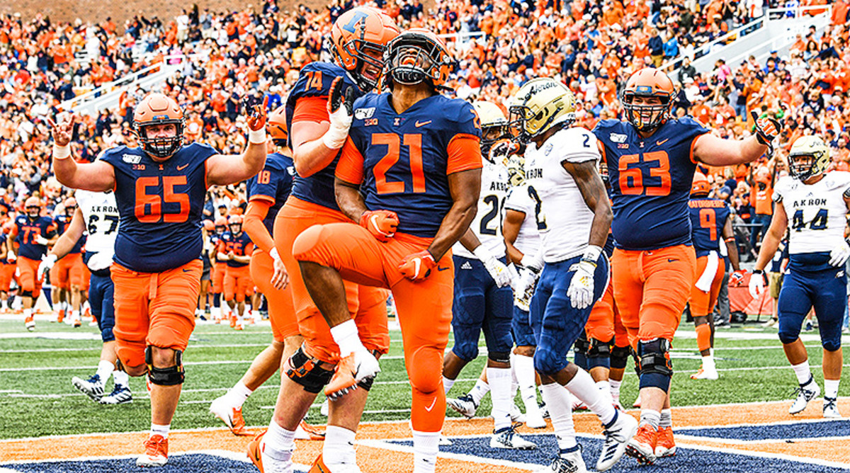 Illinois Football: 5 Offensive Fighting Illini Players to Watch in 2020