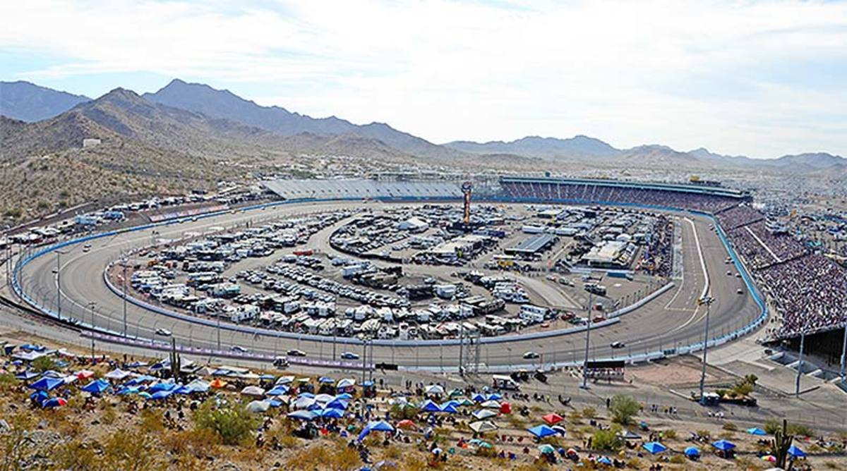 NASCAR Fantasy Picks: Best ISM Raceway Drivers for DraftKings