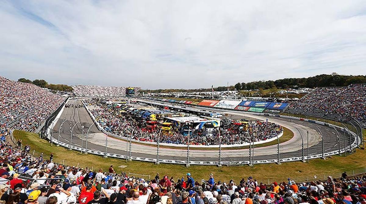 NASCAR Fantasy Picks: Best Martinsville Speedway Drivers for DFS
